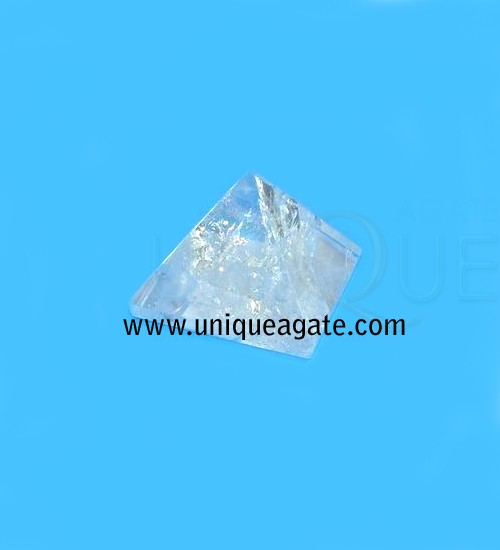 Crystal-Quartz-Pyramid