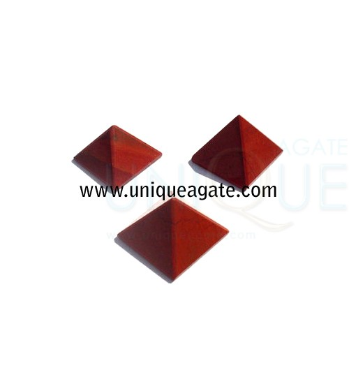 Red-Quartz-Pyramid