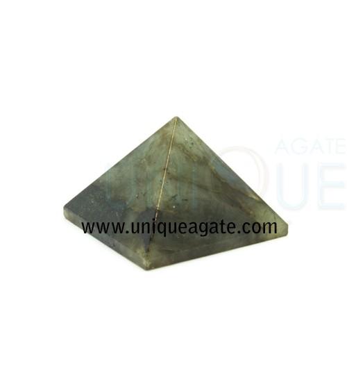 Labradolite-Pyramid