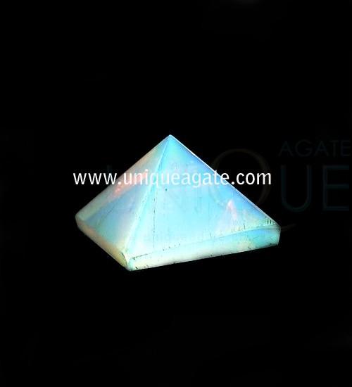 Opalite-Pyramid