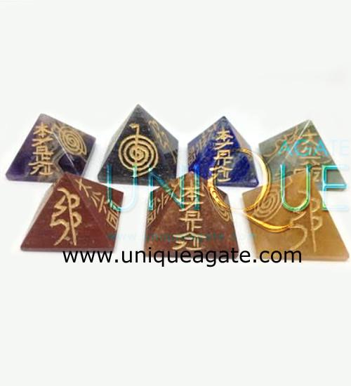7-Chakra-Reiki-Pyramid-Set