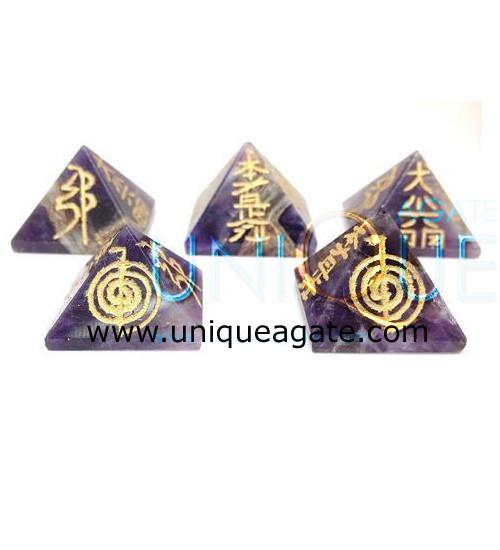 Amethyst-Reiki-Pyramid
