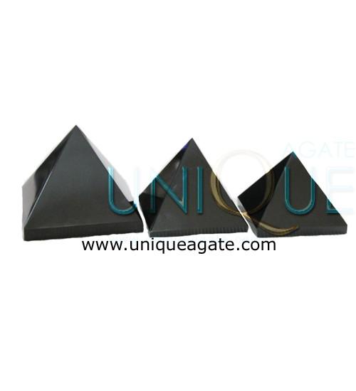 Black-Agte-Pyramid