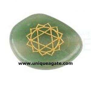 Green-Aventurine-Palm-Stone